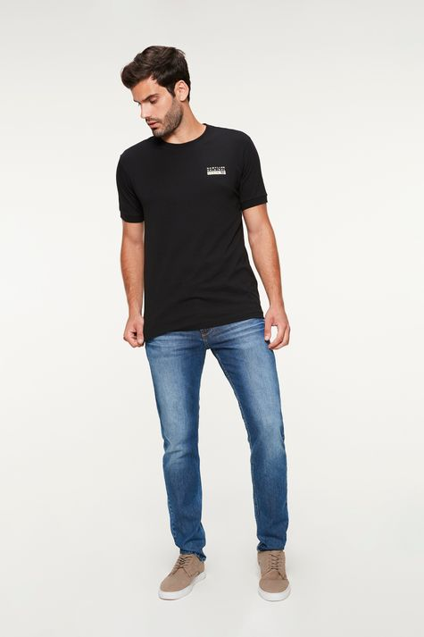 Camiseta-com-Estampa-College-Masculina-Detalhe-1--