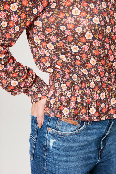 Blusa-com-Estampa-Floral-Liberty-Detalhe-1--