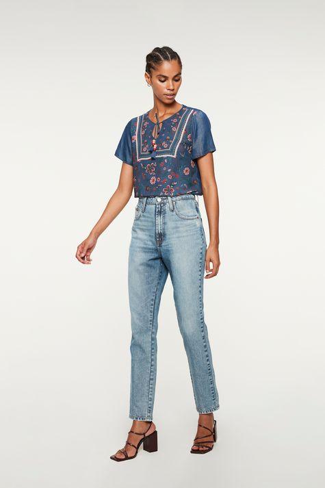 Blusa-Jeans-Manga-Curta-e-Estampa-Floral-Detalhe-1--