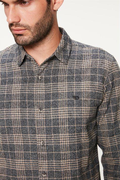Camisa-Flanelada-Xadrez-Masculina-Detalhe-1--