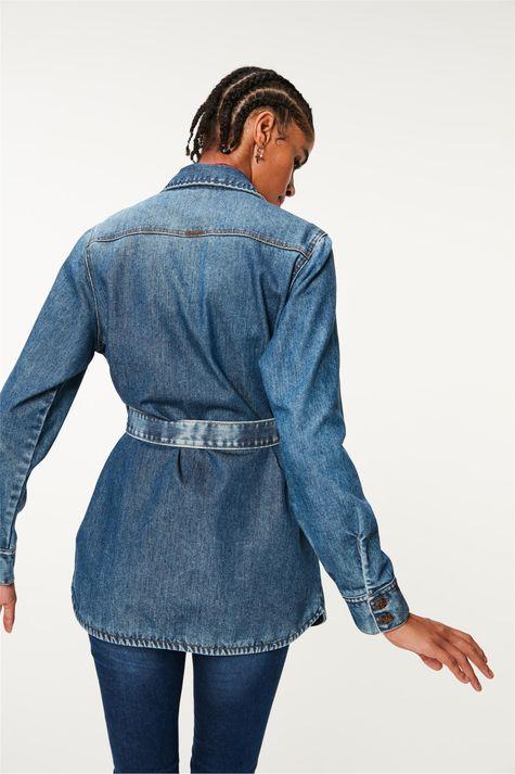 Camisa-Jeans-Alongada-com-Amarracao-Costas--