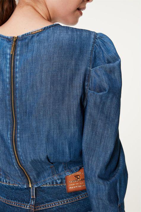 Blusa-Jeans-Cropped-com-Mangas-Bufantes-Detalhe-1--