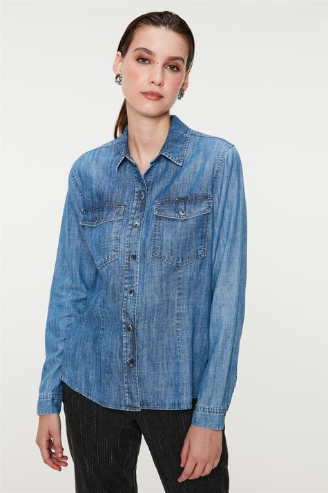 Camisa-Jeans-com-Bolsos-Feminina-Costas--