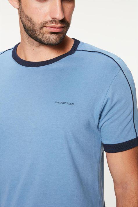 Camiseta-College-com-Vies-Masculina-Detalhe--