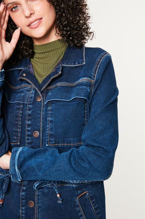 Jaqueta-Jeans-Parka-com-Gola-Peluciada-Detalhe-3--