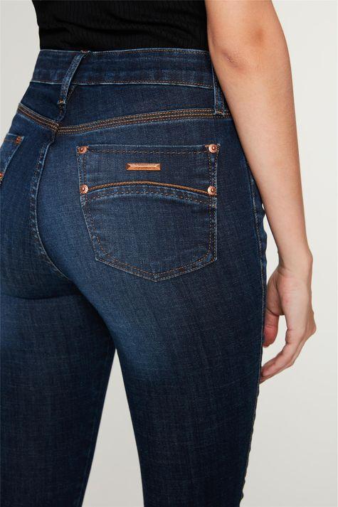 Calca-Jeans-Skinny-com-Botoes-no-Punho-Detalhe-1--