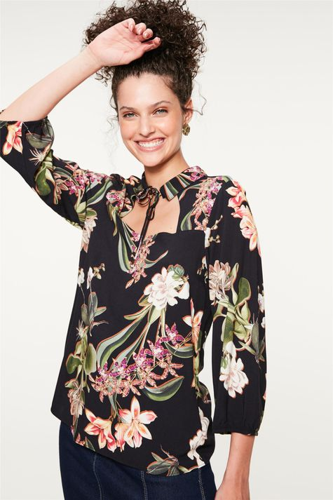 Blusa-com-Decote-Quadrado-Estampa-Floral-Detalhe--