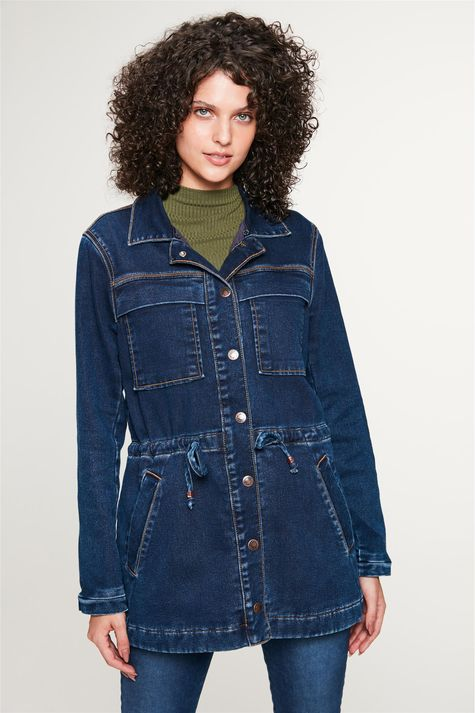 Jaqueta-Jeans-Parka-com-Gola-Peluciada-Detalhe-2--