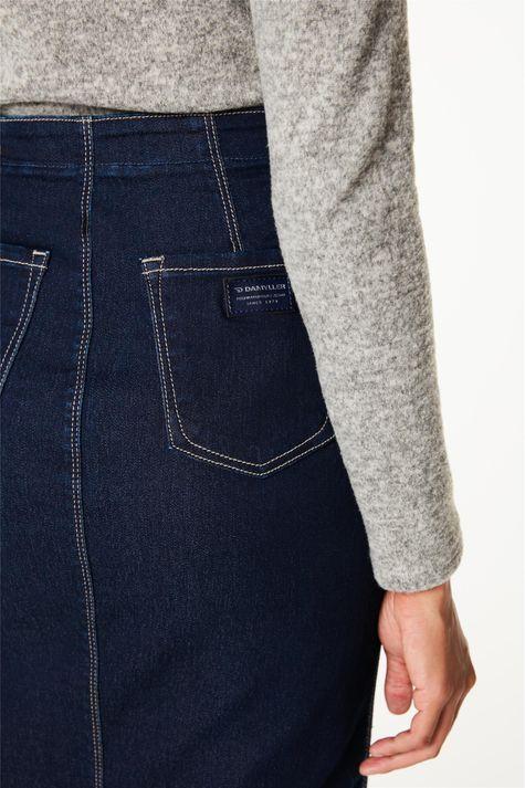 Saia-Jeans-Midi-com-Recortes-e-Fenda-Detalhe-1--