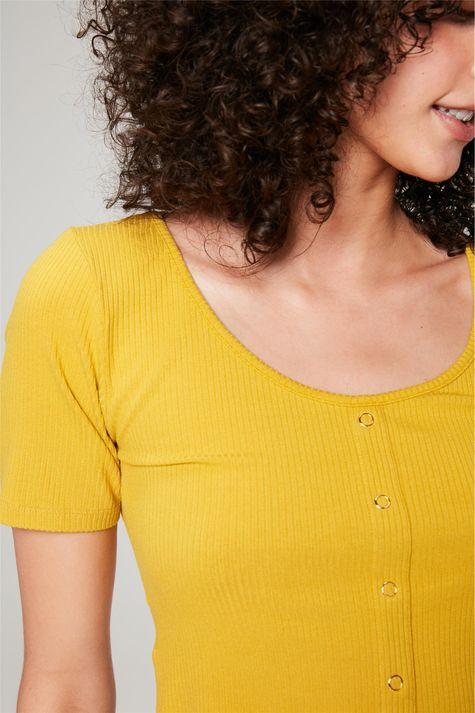 Blusa-Cropped-Canelada-Lisa-Detalhe--
