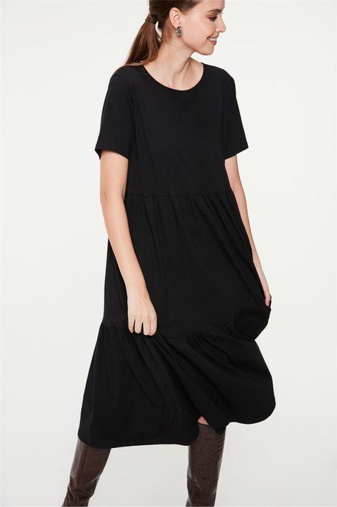 Vestido-Midi-de-Camadas-Detalhe--