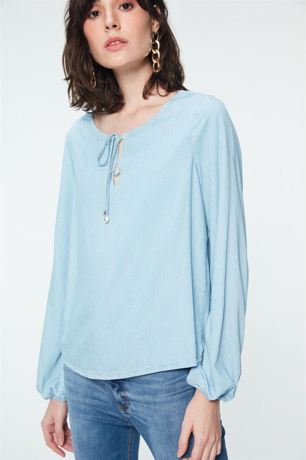 Blusa-Jeans-Azul-Claro-Feminina-Frente--