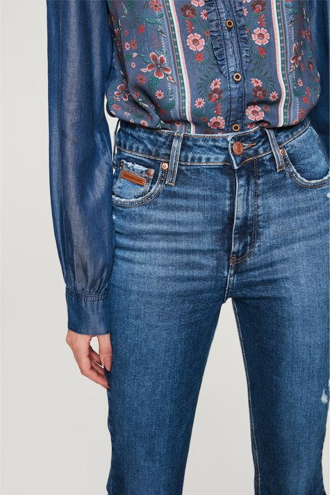Calca-Jeans-Boot-Cut-com-Puidos-Detalhe-1--