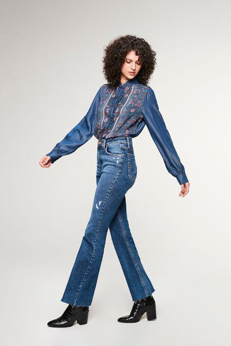 Calca-Jeans-Boot-Cut-com-Puidos-Detalhe-3--