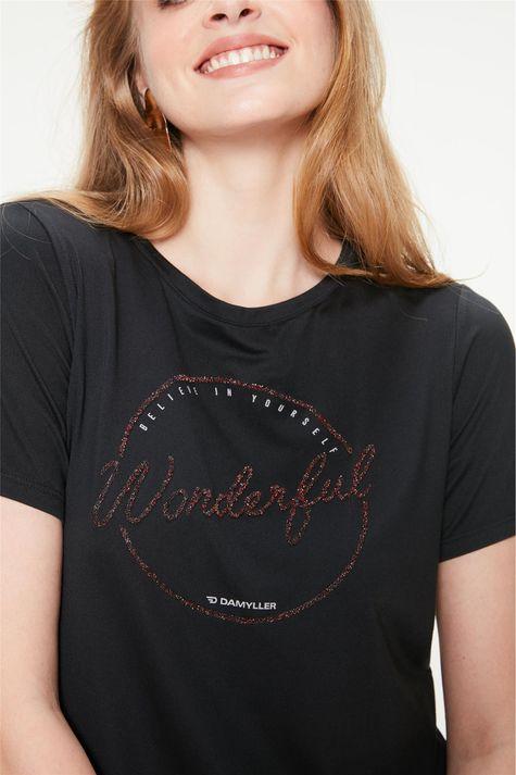 Camiseta-com-Estampa-Wonderful-Detalhe--