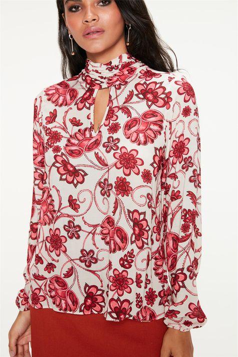 Blusa-com-Gola-Franzida-e-Estampa-Floral-Frente--