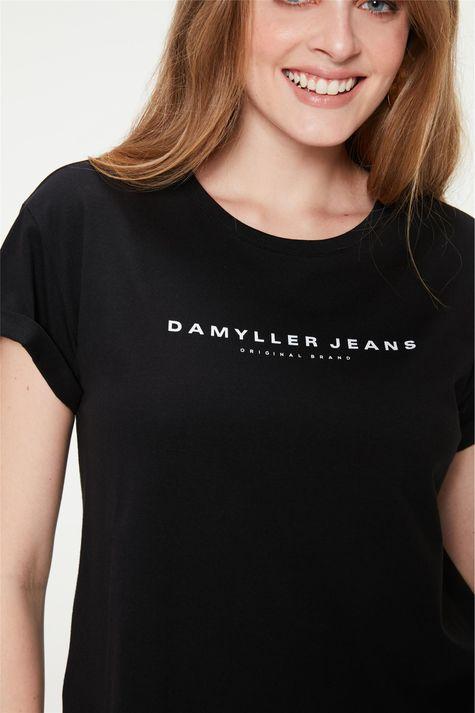 Camiseta-Estampa-de-Lettering-Feminina-Detalhe--