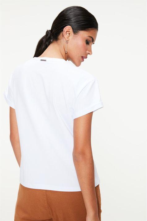 Camiseta-Estampa-de-Lettering-Feminina-Costas--