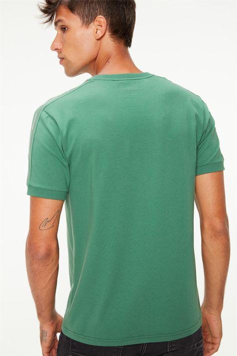 Camiseta-com-Estampa-nas-Mangas-College-Costas--