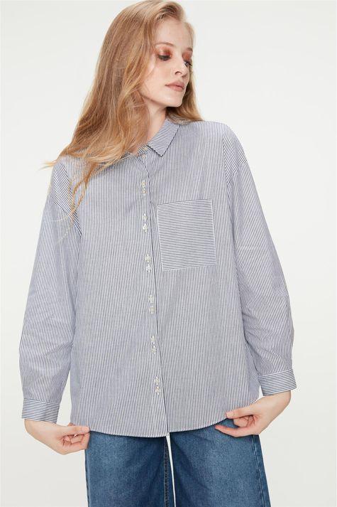 Camisa-com-Estampa-de-Listras-Feminina-Frente--