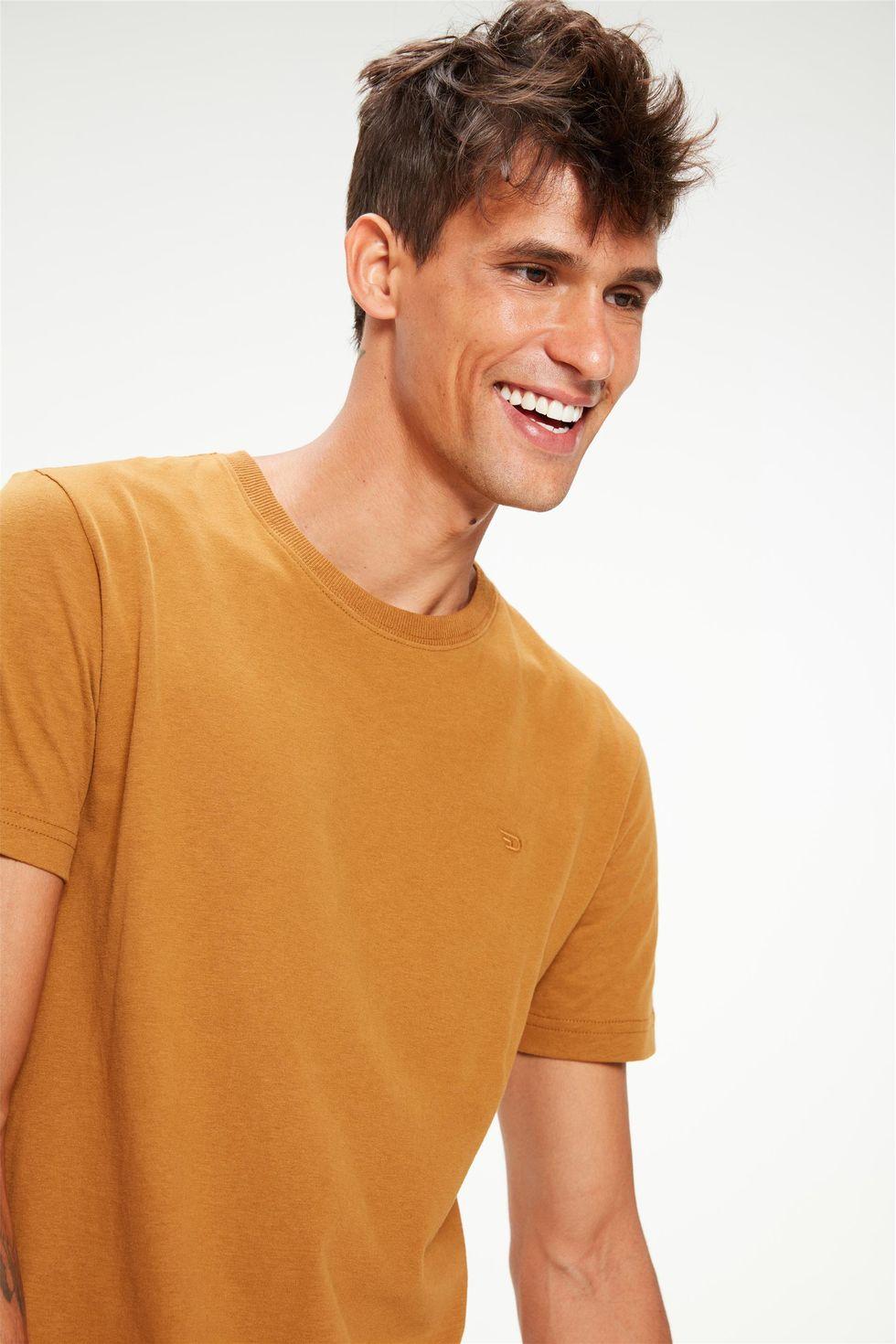 Camiseta-Basica-Lisa-Masculina-Frente--