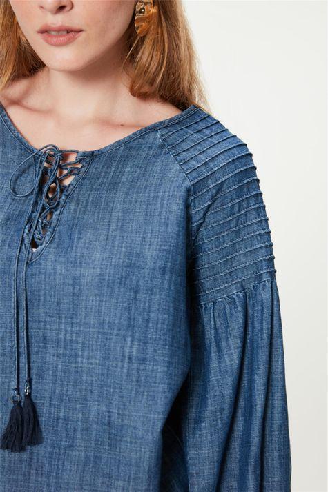 Bata-Jeans-Mangas-Bufantes-e-Nervuras-Detalhe--