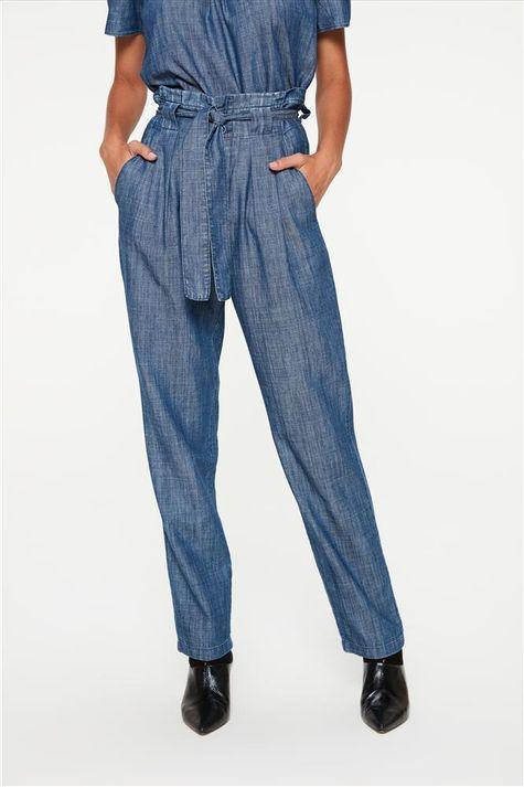 Calca-em-Jeans-Leve-Clochard-Detalhe--