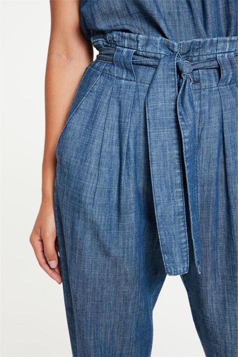 Calca-em-Jeans-Leve-Clochard-Detalhe-2--