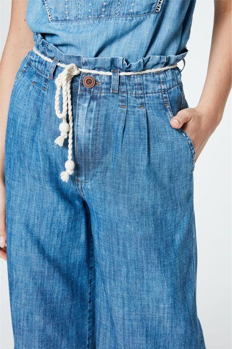 Calca-Jeans-Pantacourt-Soltinha-Detalhe-1--