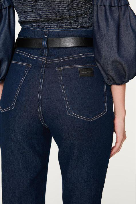 Calca-Jeans-Clochard-com-Pregas-Detalhe-2--