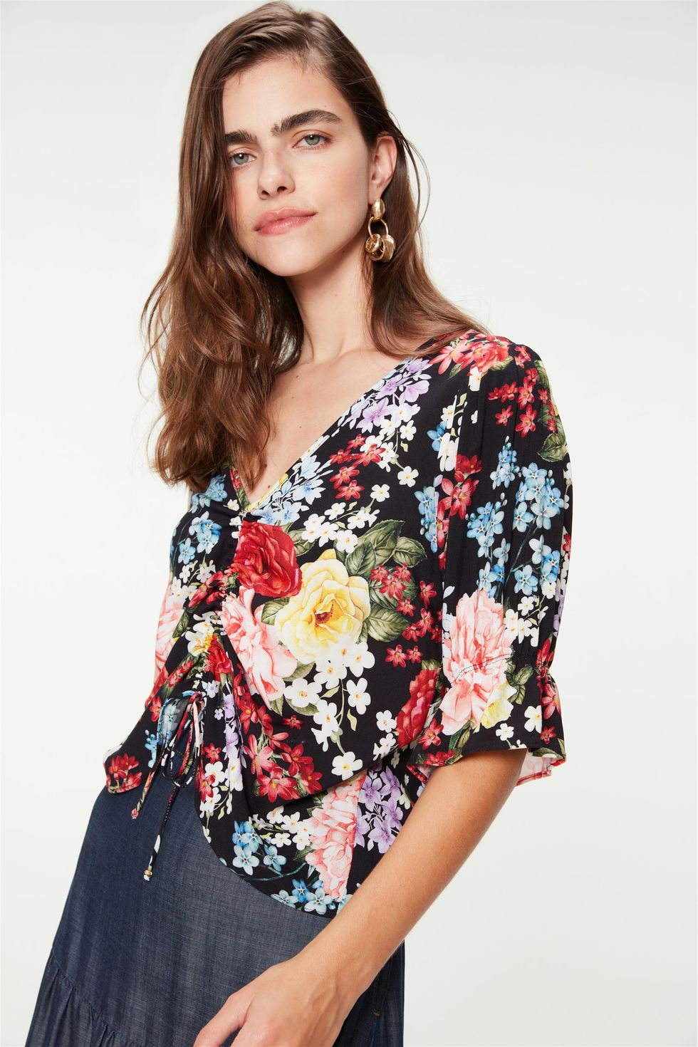 Blusa-Franzida-com-Estampa-de-Flores-Frente--