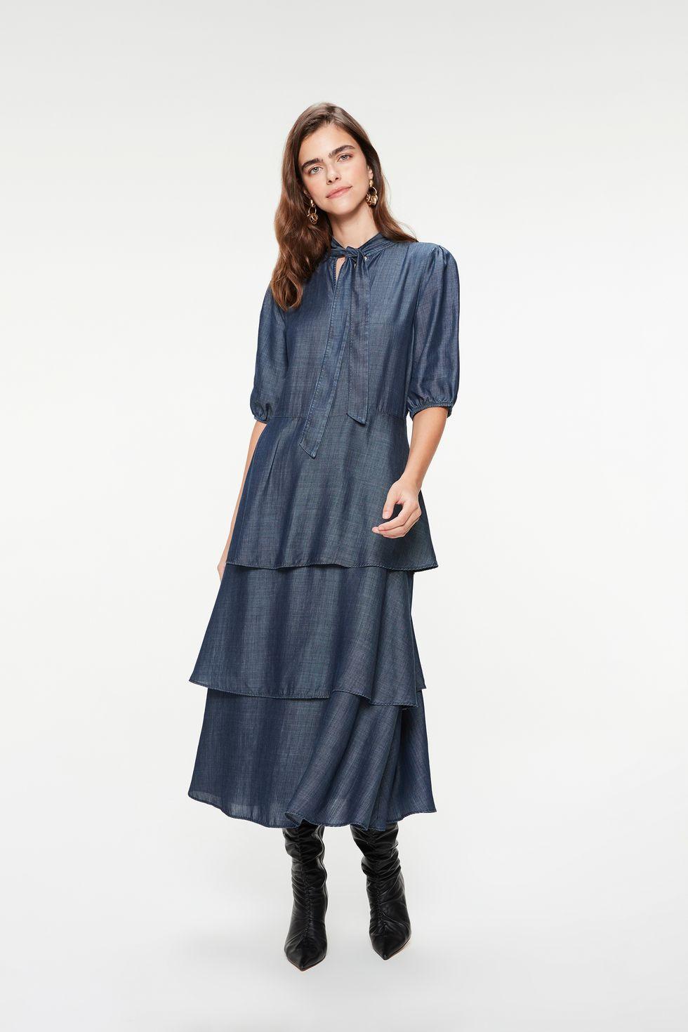 Vestido-Jeans-Midi-com-Babados-Gola-Laco-Frente--