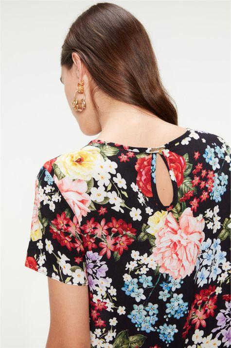 Blusa-Soltinha-com-Estampa-de-Flores-Detalhe-2--