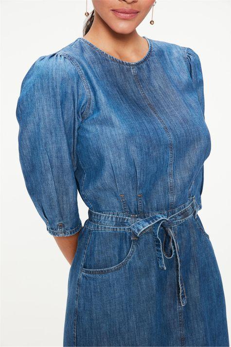 Vestido-Jeans-Medio-com-Manga-Bufante-Detalhe--
