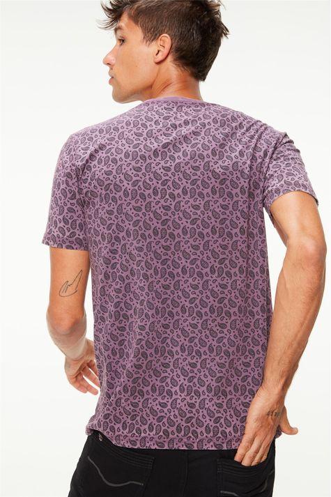 Camiseta-com-Estampa-Paisley-Masculina-Costas--