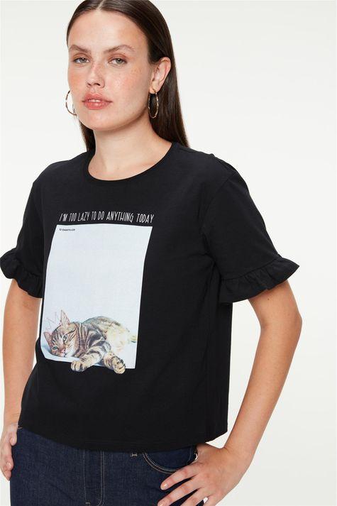 Camiseta-com-Estampa-de-Gatinha-Feminina-Detalhe--