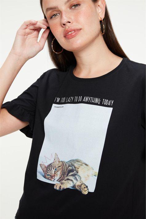 Camiseta-com-Estampa-de-Gatinha-Feminina-Frente--