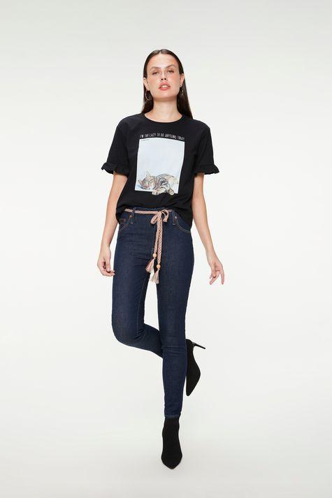 Camiseta-com-Estampa-de-Gatinha-Feminina-Detalhe-1--