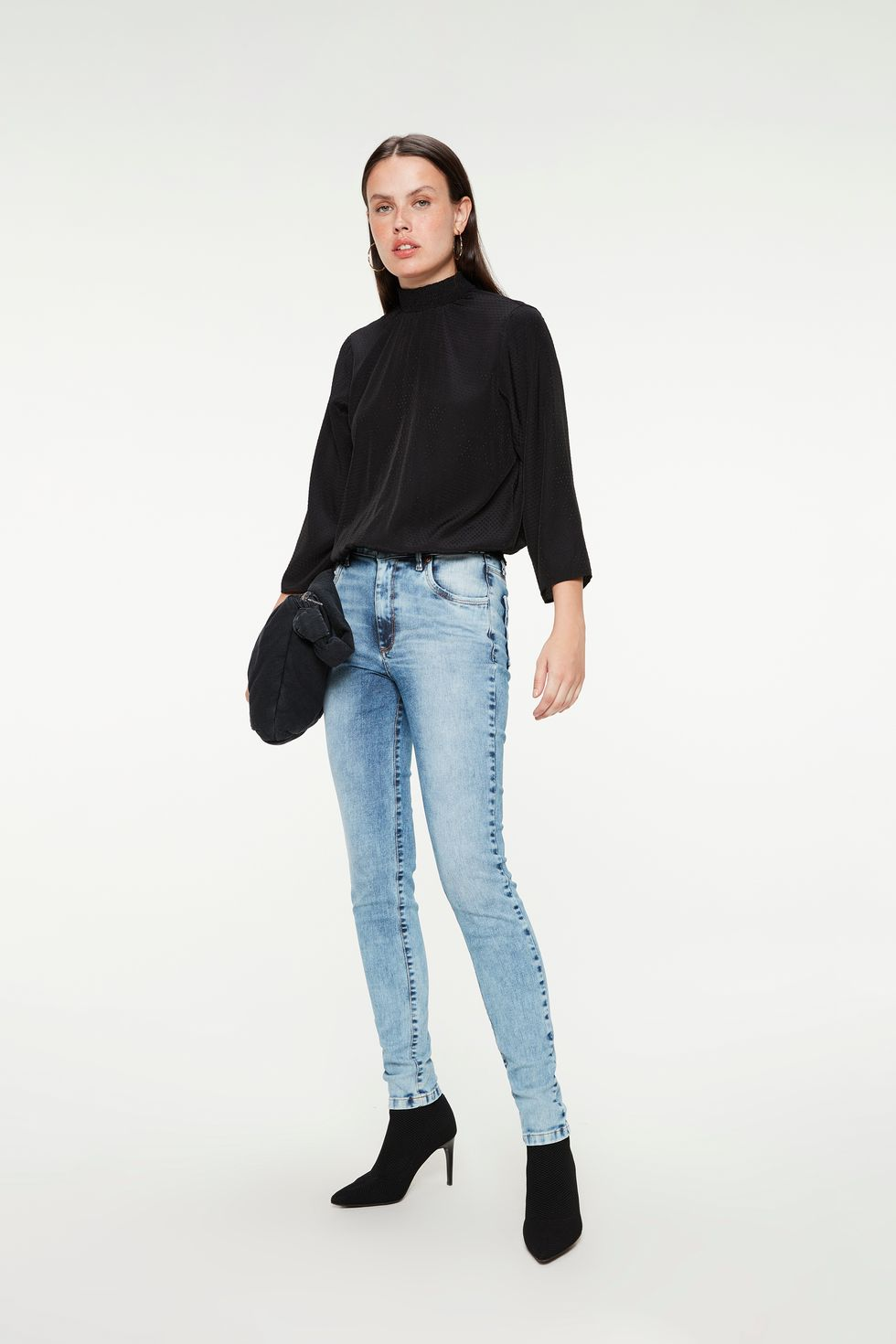 Calca-Jeans-Azul-Claro-Skinny-Feminina-Frente--
