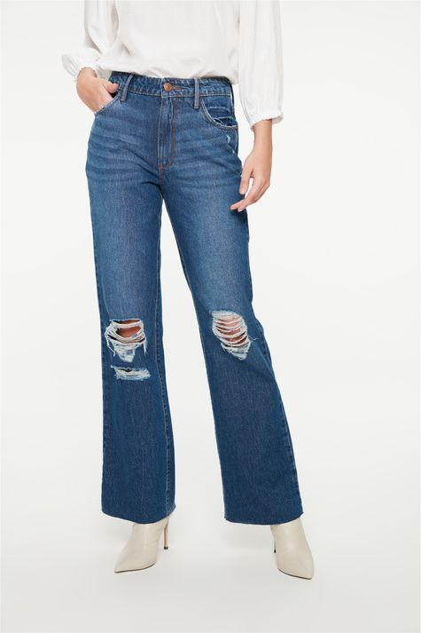 Calca-Jeans-Reta-com-Rasgos-Cintura-Alta-Detalhe--