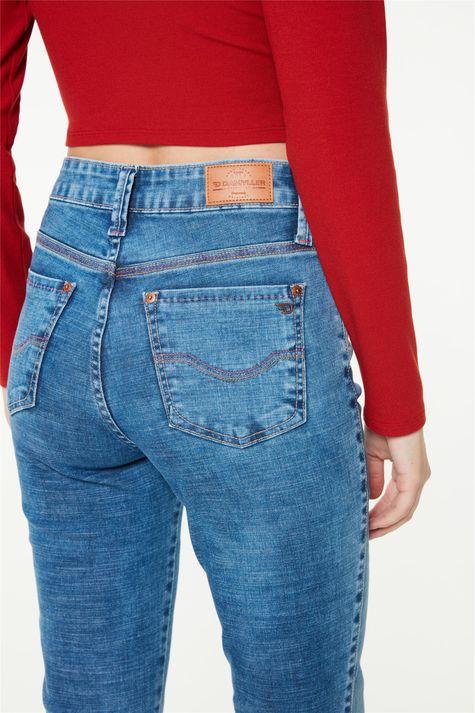 Calca-Jeans-Azul-Medio-Reta-Cintura-Alta-Detalhe-2--
