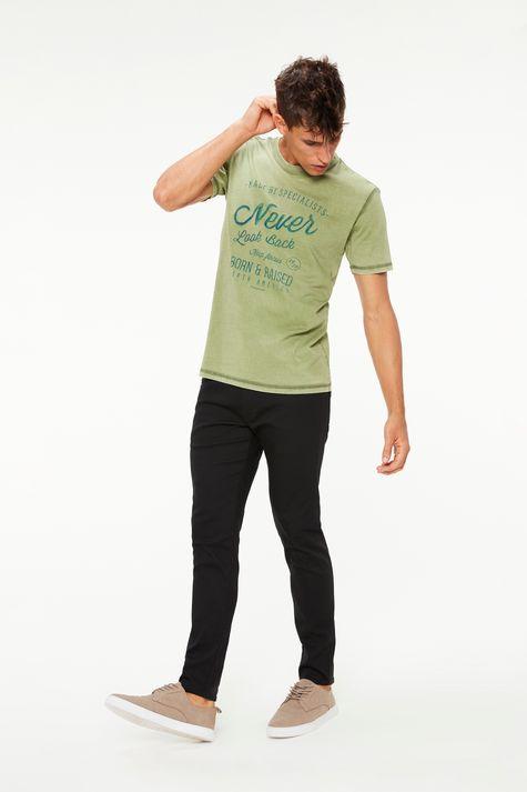 Camiseta-Tingida-Estampa-Never-Look-Back-Detalhe-1--