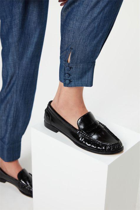 Calca-Jeans-Carrot-Cintura-Alta-Cropped-Detalhe-1--