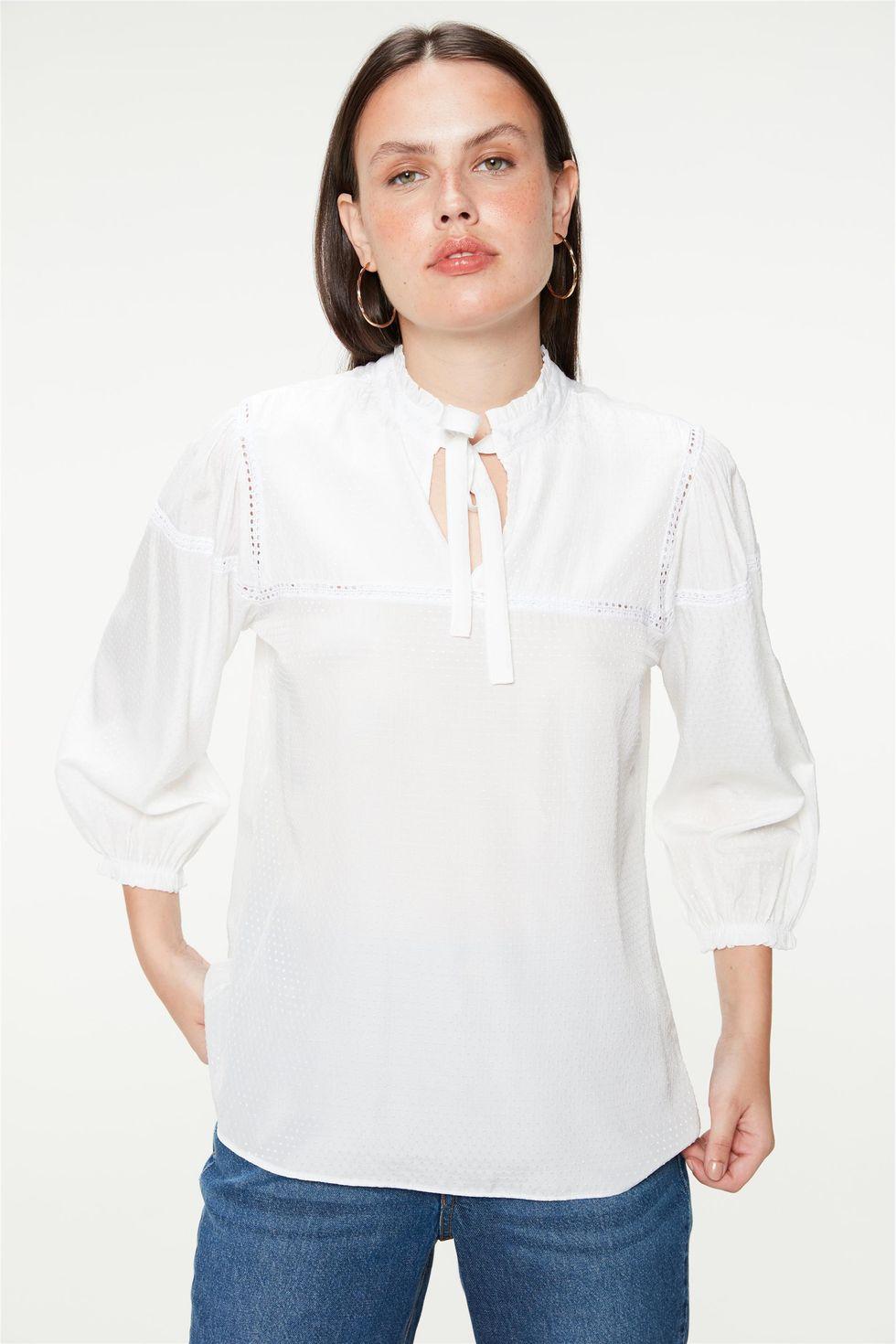 Blusa-Romantica-com-Textura-de-Poa-Frente--