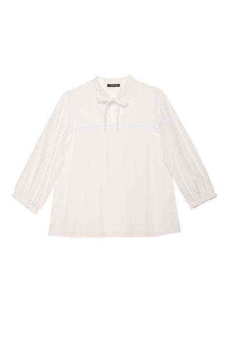 Blusa-Romantica-com-Textura-de-Poa-Detalhe-Still--