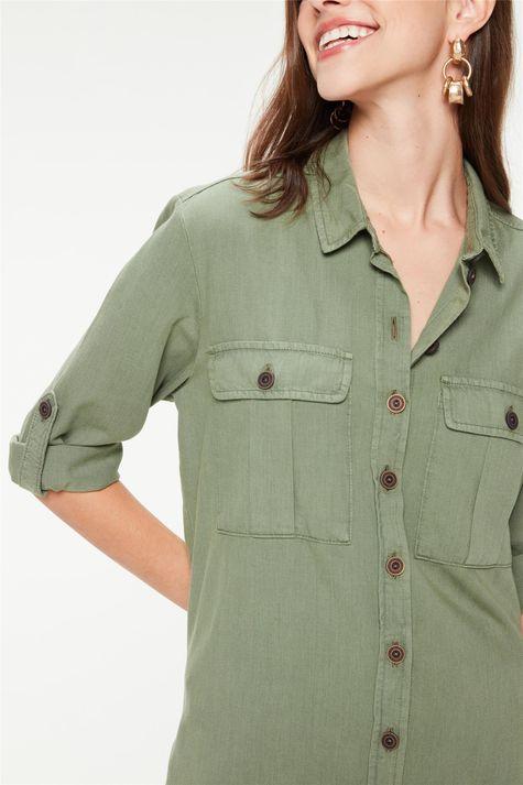 Camisa-Utilitaria-Mangas-7-8-Feminina-Detalhe--
