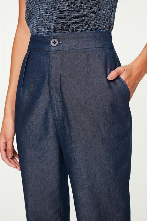 Calça-Jeans-Leve-Chino-Cropped-Detalhe-1--