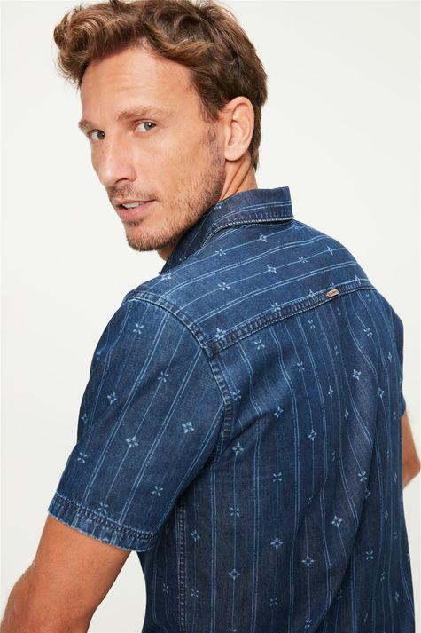 Camisa-Jeans-com-Estampa-a-Laser-Detalhe-1--