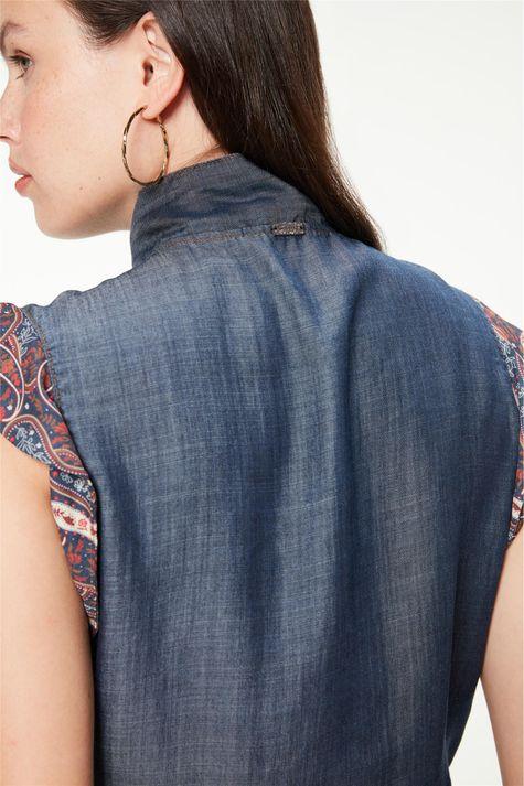 Camisa-com-Babados-e-Estampa-Paisley-Detalhe-1--