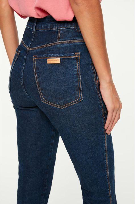 Calca-Jeans-Skinny-Cropped-com-Recortes-Detalhe-2--